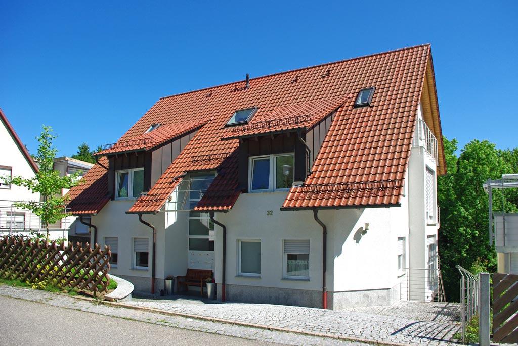 Straßenansicht Sechsfamilienhaus